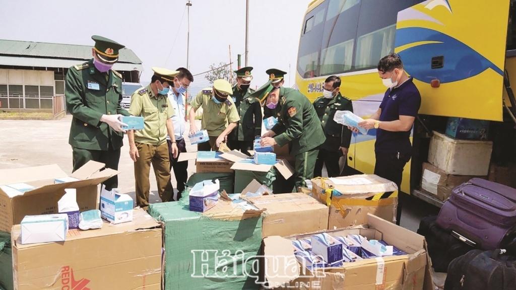 Hà Tĩnh: Bắt giữ và xử lý 1.877 vụ vi phạm