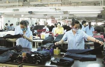 """Cạnh tranh gay gắt, xuất khẩu dệt may """"nhắm"""" 42 tỷ USD"""