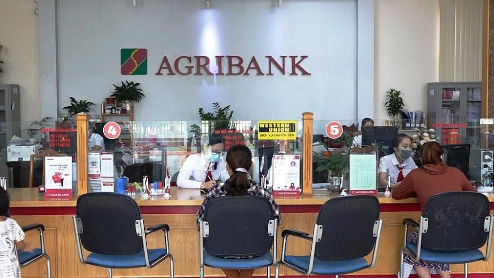 Agribank luôn đảm bảo cung ứng đủ vốn cho nền kinh tế và các dịch vụ tài chính theo nhu cầu khách hàng, hỗ trợ khách hàng cùng vượt qua khó khăn.