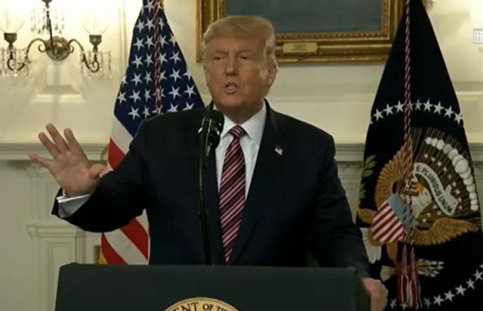 Trump thừa nhận hạ mức độ nghiêm trọng của Covid-19 để tránh gây hoảng loạn