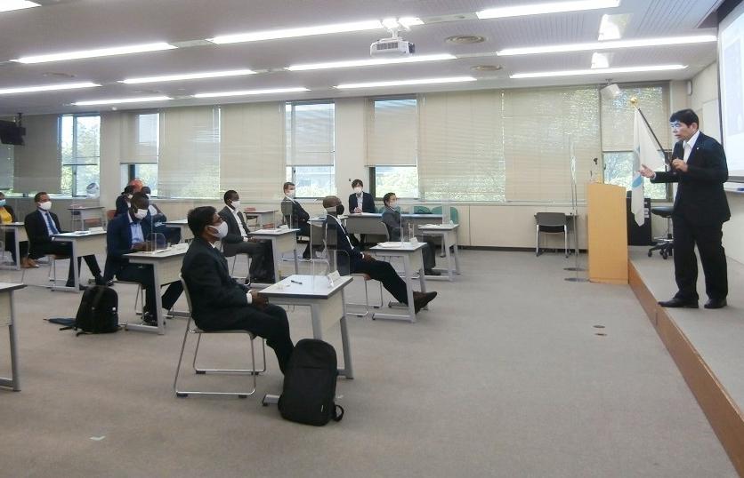 Tổng thư ký WCO gặp mặt các học viên chương trình sau đại học về Hải quan tại Nhật Bản
