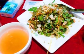 Đậm đà gỏi trứng sam biển Quảng Ninh