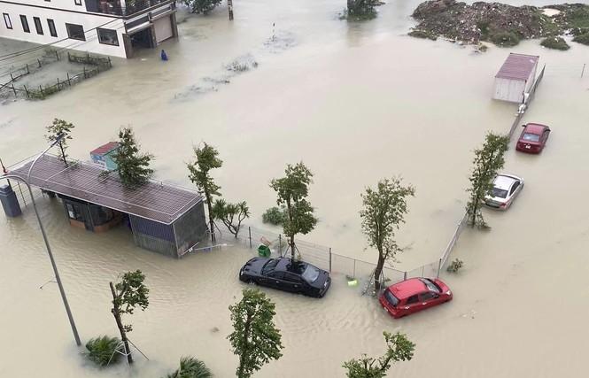 TP Hà Tĩnh chìm trong ngập lụt lịch sử chưa từng có