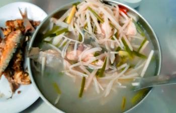 Ấm nóng cá suối nấu măng mai chua