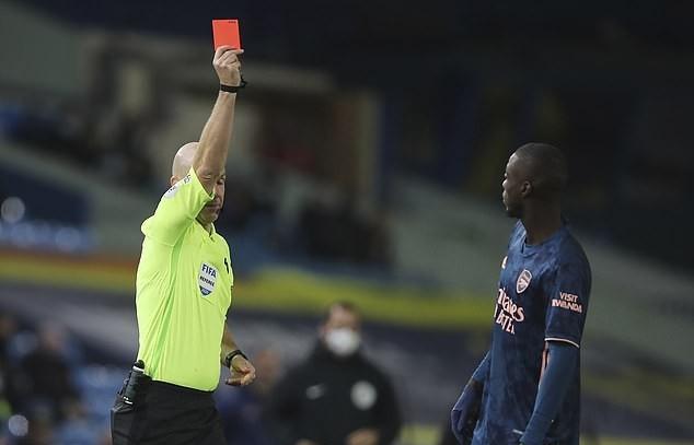 Nicolas Pepe dùng 'thiết đầu công', Arsenal chia điểm cay đắng