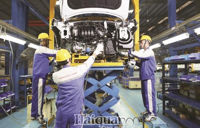 Sản xuất ô tô trong nước:  Ngóng chờ chính sách hỗ trợ để tồn tại