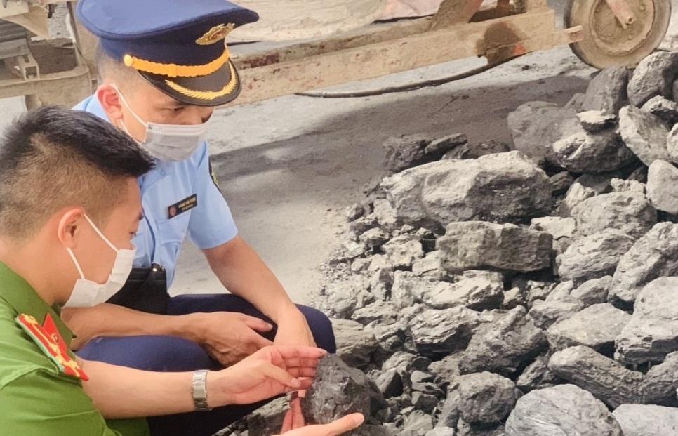 Sơn La: Bị phạt hơn 106 triệu đồng vì vận chuyển gần 20 tấn than không rõ nguồn gốc