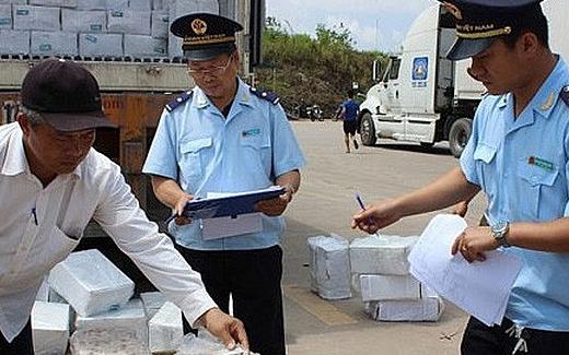 Quảng Ninh: Hàng tạm nhập, tái xuất giảm mạnh