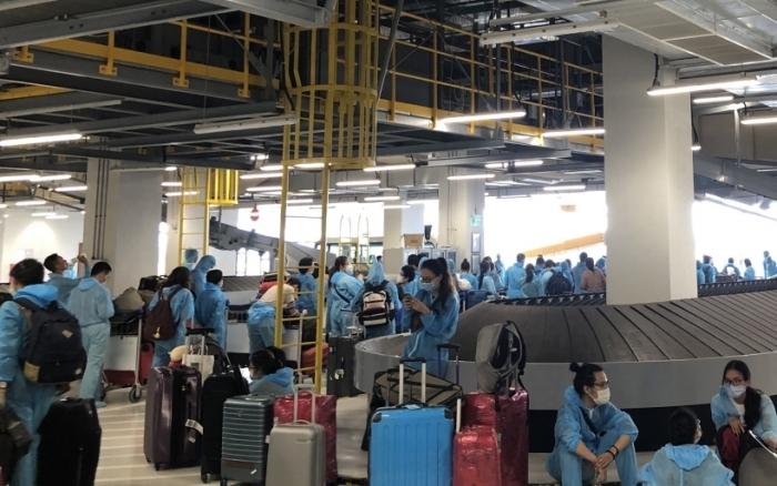 Hải quan Vân Đồn làm thủ tục cho 14.648 hành khách nhập cảnh