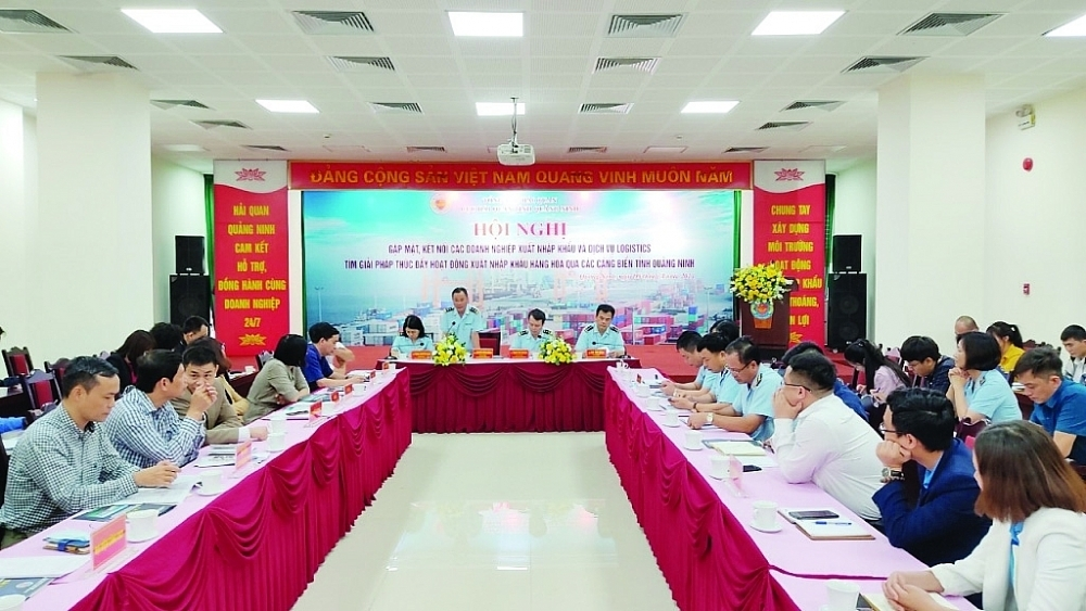 Một hội nghị đối thoại với doanh nghiệp do Cục Hải quan Quảng Ninh tổ chức trong tháng 4/2021. Ảnh: Q.H