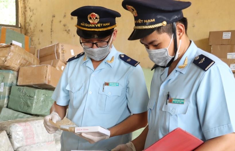 Hải quan Quảng Ninh giải quyết thủ tục cho hơn 14.800 tờ khai