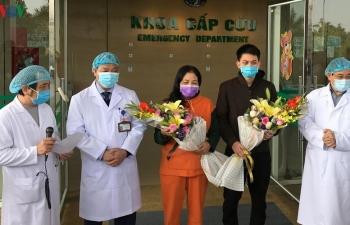 """""""Bộ Y tế nên bỏ việc tặng hoa bệnh nhân mắc Covid-19 xuất viện"""""""