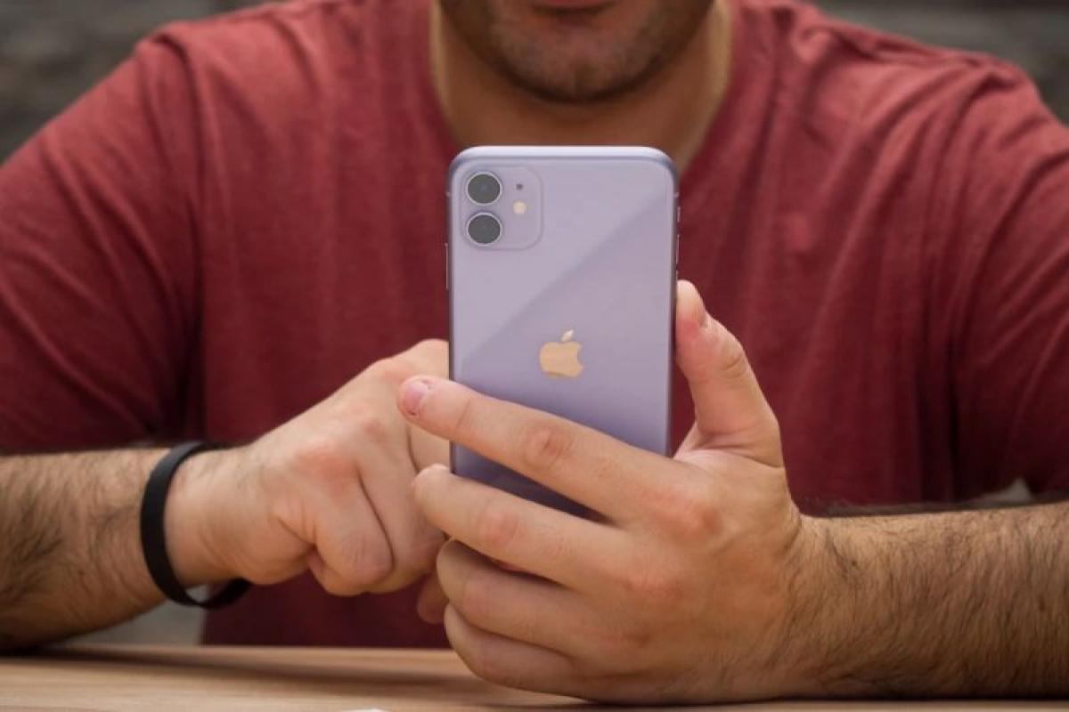 iPhone 11 vẫn đang thu hút khách hàng và sẽ bán chạy đến tận cuối năm sau.