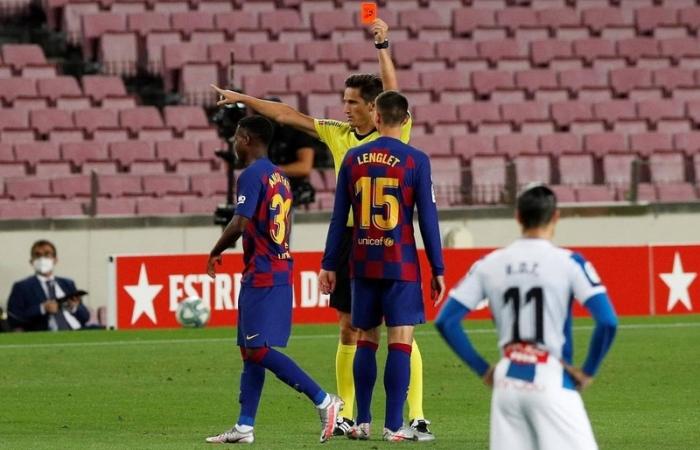 Sao trẻ bị thẻ đỏ, Barca vẫn thắng nhọc Espanyol