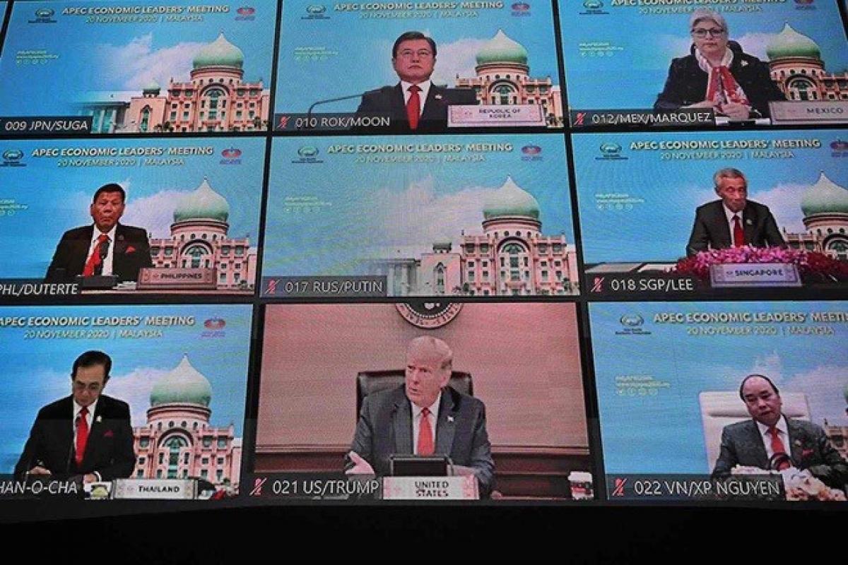 Các nhà lãnh đạo tham gia hội nghị APEC 27 qua hình thức trực tuyến (Ảnh: Reuters)