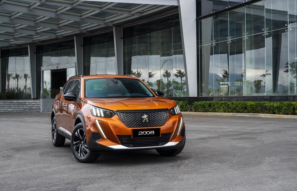 So sánh Kia Seltos và Peugeot 2008: 'Tân binh' đối đầu 'Lính mới'