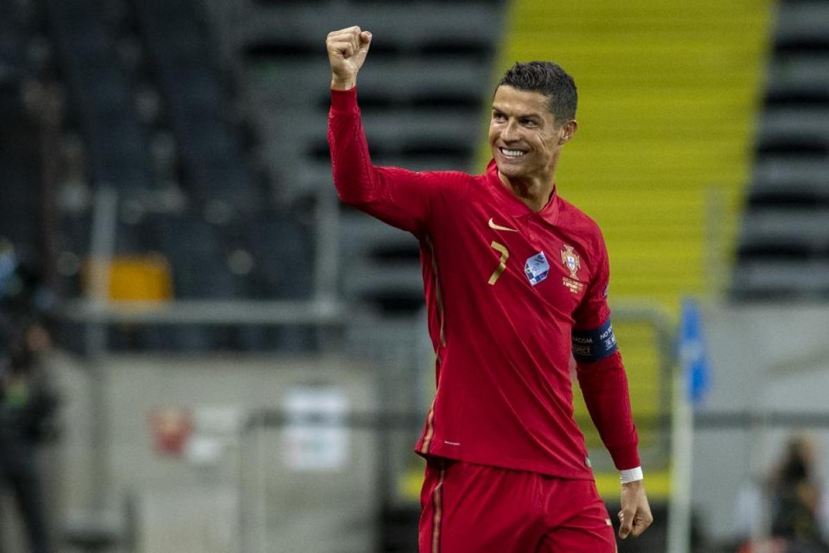 2. Cristiano Ronaldo (117 triệu USD)