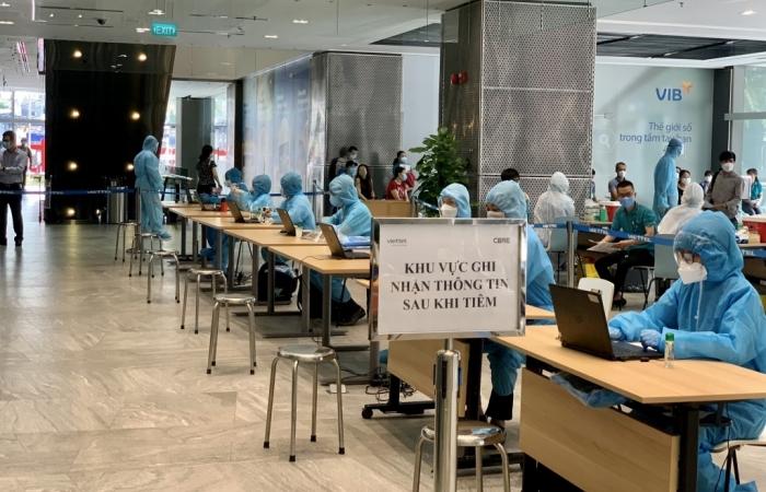 Viettel hỗ trợ chiến dịch tiêm chủng vắc xin quy mô lớn tại TPHCM
