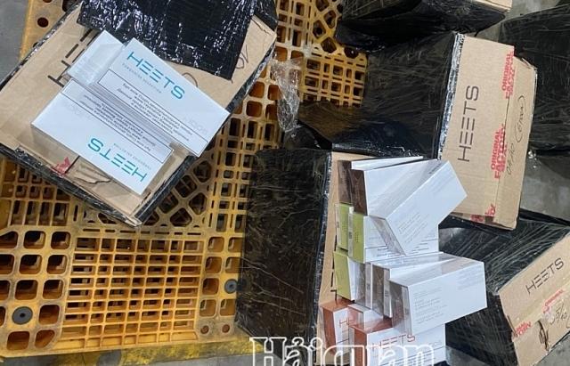 Thu giữ 5.000 bao thuốc lá lậu vận chuyển qua sân bay quốc tế Nội Bài