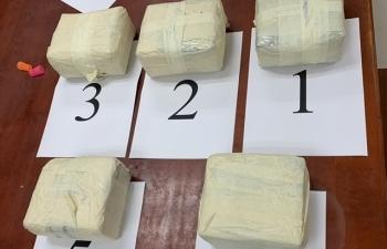 Tổng cục trưởng tặng giấy khen nhiều công chức có thành tích bắt giữ ma túy