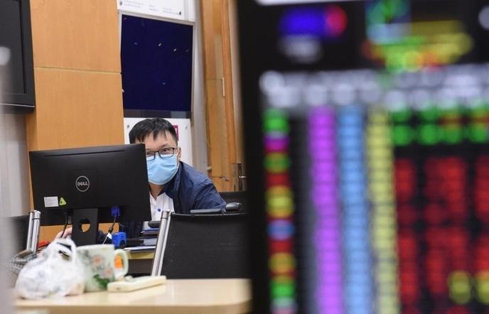 Giao dịch của nhóm cổ phiếu HNX30 tăng 36,5% trong tháng 6