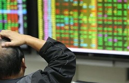 Nhóm bluechips đồng loạt tăng mạnh nâng đỡ thị trường chứng khoán