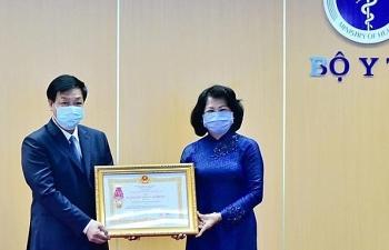 BV Bệnh Nhiệt đới Trung ương được tặng thưởng Huân chương Lao động về thành tích chống dịch Covid-19