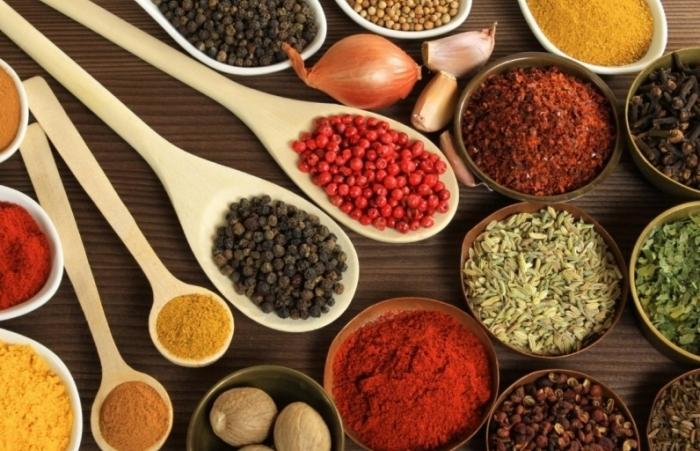 """Doanh nghiệp nhập khẩu nguyên liệu sản xuất thực phẩm chức năng """"lao đao"""" vì sao?"""