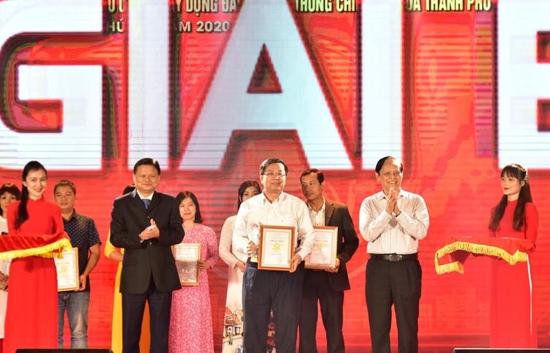 Hà Nội trao giải báo chí về xây dựng Đảng và phát triển văn hóa lần thứ 3