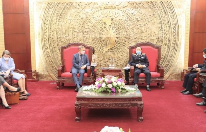 Vương quốc Anh - Hải quan Việt Nam tiếp tục tương trợ trong kiểm soát thương mại