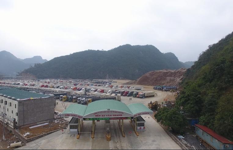 Lượng xe hàng tồn đọng tại Lạng Sơn giảm sâu