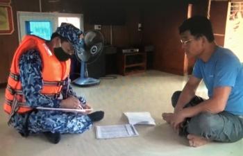 Cảnh sát biển kiểm tra, tạm giữ tàu chở 40.000 kg dầu FO vi phạm