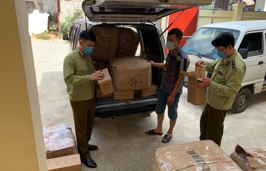 Lạng Sơn: Nhiều phương tiện chở hàng hóa nghi nhập lậu từ biên giới vào nội địa