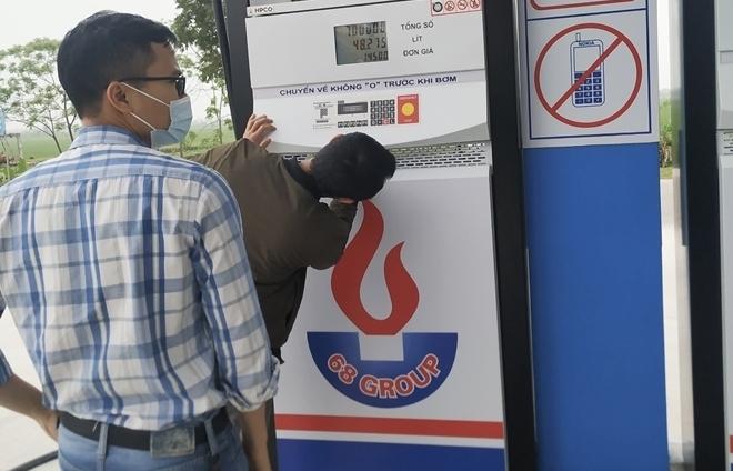 Bị phạt gần 400 triệu đồng vì kinh doanh xăng dầu không đảm bảo chất lượng