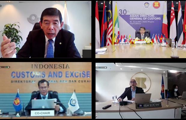 Tiến sĩ Kunio Mikuriya, Tổng thư ký WCO (ảnh trên - bên trái); Ông Rey Leonardo Borja Guerrero, Ủy viên Cục Hải quan Philippines, Chủ tịch ASEAN (ảnh trên – bên phải); Ông Syarif Hidayat, Giám đốc phụ trách các vấn đề công và quốc tế, Hải quan Indonesia, đồng thời là Đồng Chủ tịch ASEAN (ảnh dưới – bên trái); và ông Satvinder Singh, Phó Tổng thư ký Cộng đồng Kinh tế ASEAN (ảnh dưới – bên phải)