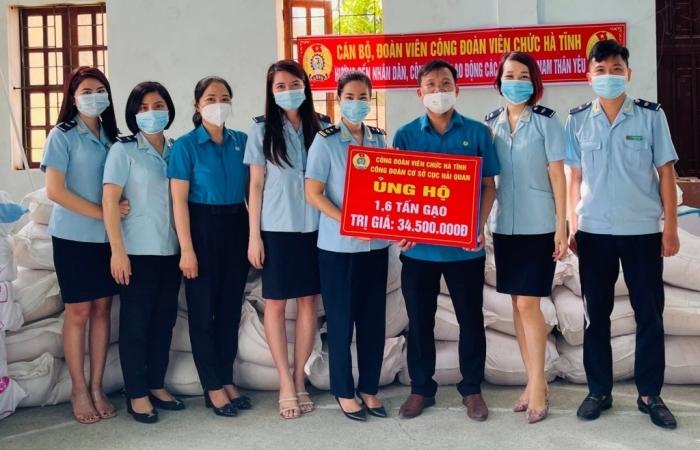 Hải quan Hà Tĩnh chung tay cùng cộng đồng phòng, chống dịch Covid