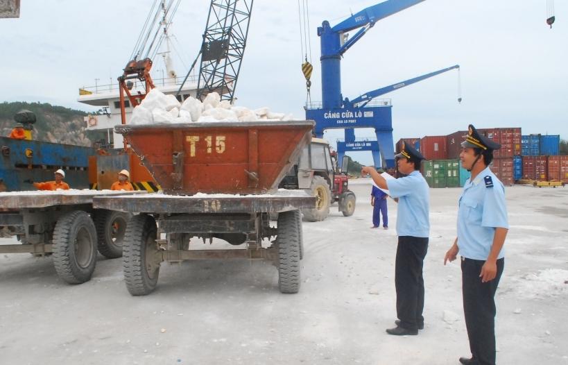 Rà soát, làm rõ dấu hiệu gian lận đối với mặt hàng đá vôi xuất khẩu