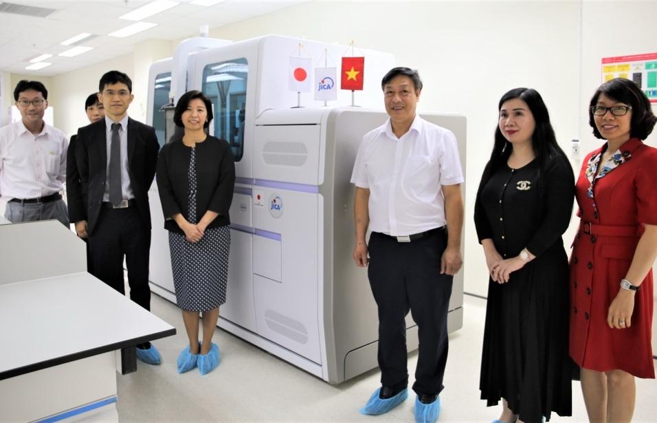 JICA hỗ trợ thiết bị xét nghiệm giúp Việt Nam ứng phó với dịch Covid-19