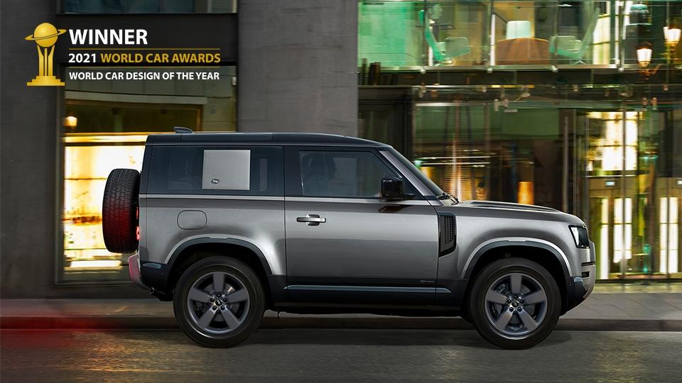 Land Rover Defender mới được vinh danh là Thiết kế Xe hơi của năm 2021