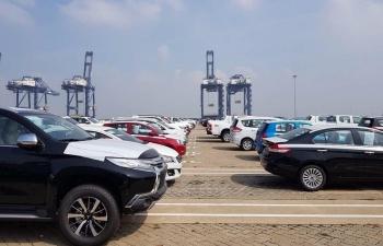 Nhập khẩu ô tô tăng mạnh, chính sách nội địa hóa mất lợi thế