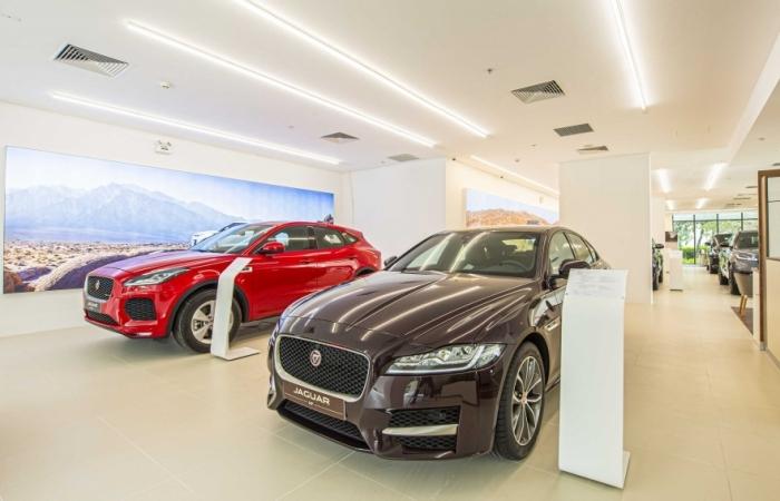 Jaguar Land Rover Việt Nam có không gian trưng bày mới tại Hà Nội