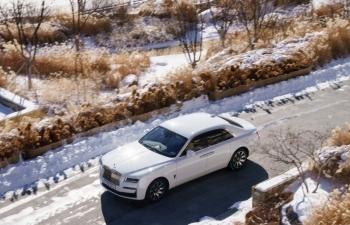 """Rolls Royce New Ghost với bộ ảnh """"chu du"""" thế giới"""