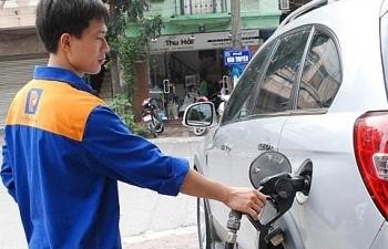 """Chi """"khủng"""" Quỹ bình ổn, giá xăng dầu tiếp tục đứng yên"""