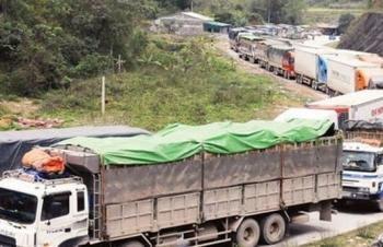 Tồn hơn 1.700 xe hàng tại cửa khẩu giáp Trung Quốc, Lào, Campuchia