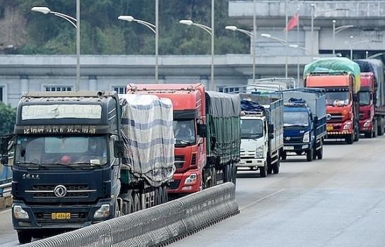 Tồn hơn 1.300 xe hàng tại cửa khẩu giáp Trung Quốc, Lào