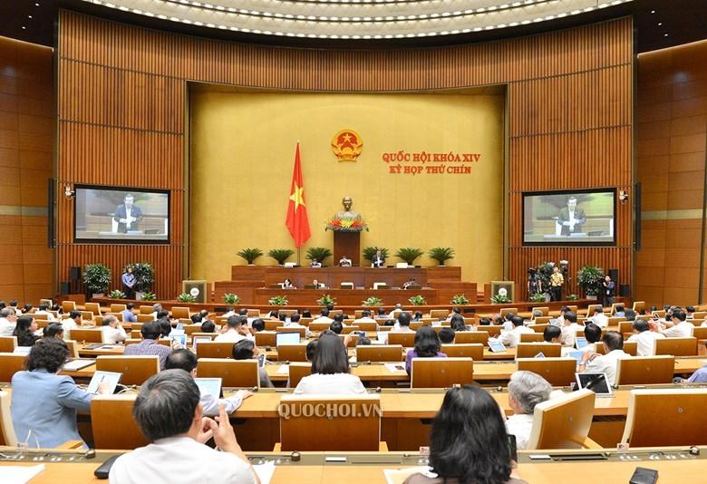 Quốc hội thảo luận cả ngày về phát triển kinh tế-xã hội và ngân sách nhà nước