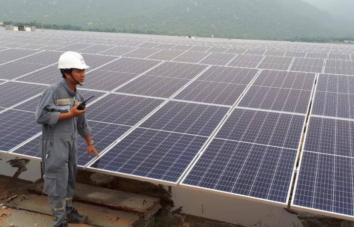 Tăng mạnh điện gió và điện mặt trời, lo rã lưới, mất điện diện rộng