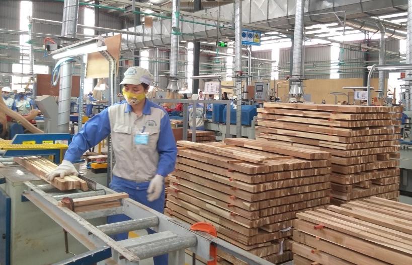 """Đơn hàng tăng 30%, xuất khẩu gỗ đạt 16 tỷ USD """"trong tầm tay"""""""