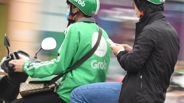 """Sở Giao thông vận tải Hà Nội yêu cầu """"xe ôm công nghệ"""" tạm dừng hoạt động"""