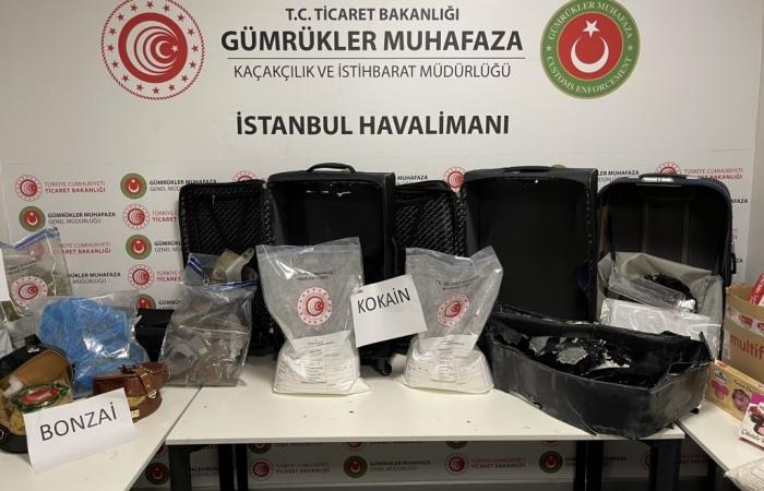 Thu giữ 46kg ma túy tại sân bay